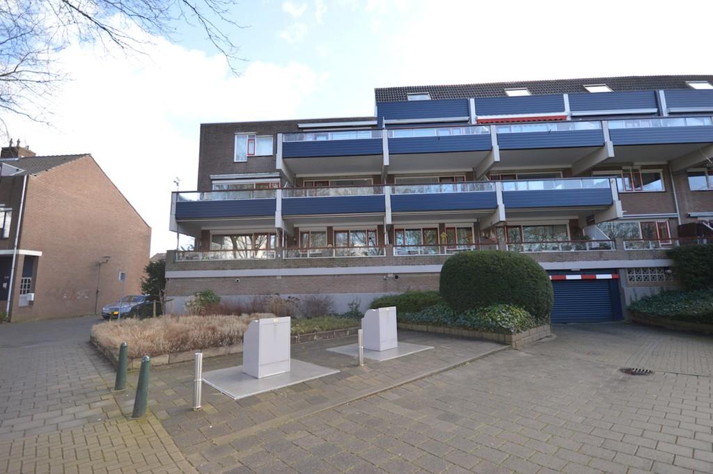Doornenburg, Dordrecht
