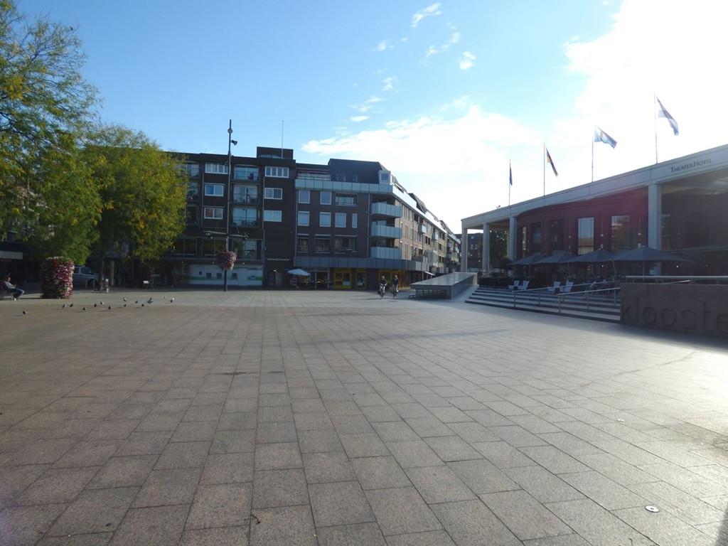 Kloosterwandplein, Roermond