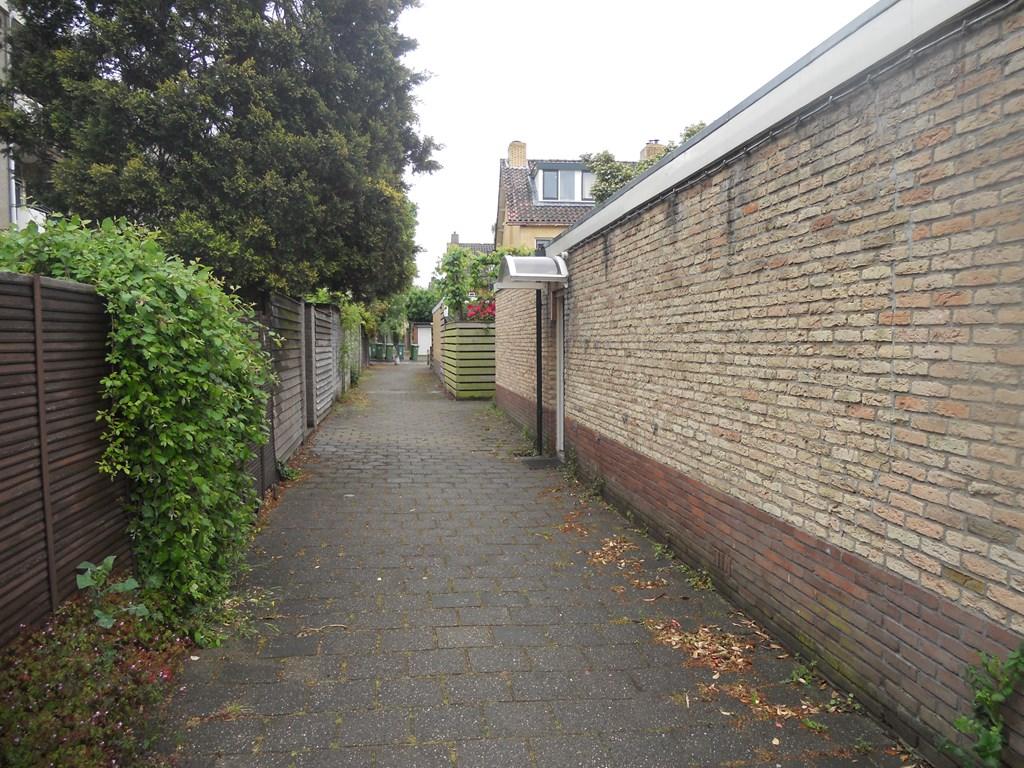 Van Almondelaan, Hilversum