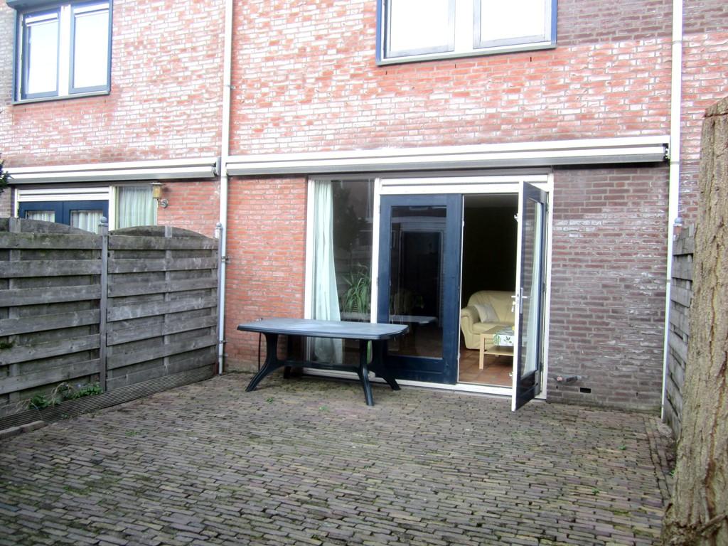 Emily Brontsingel, Arnhem