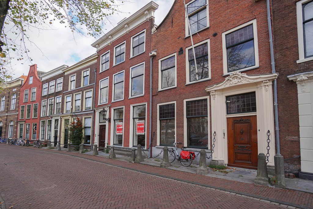 Steenschuur, Leiden