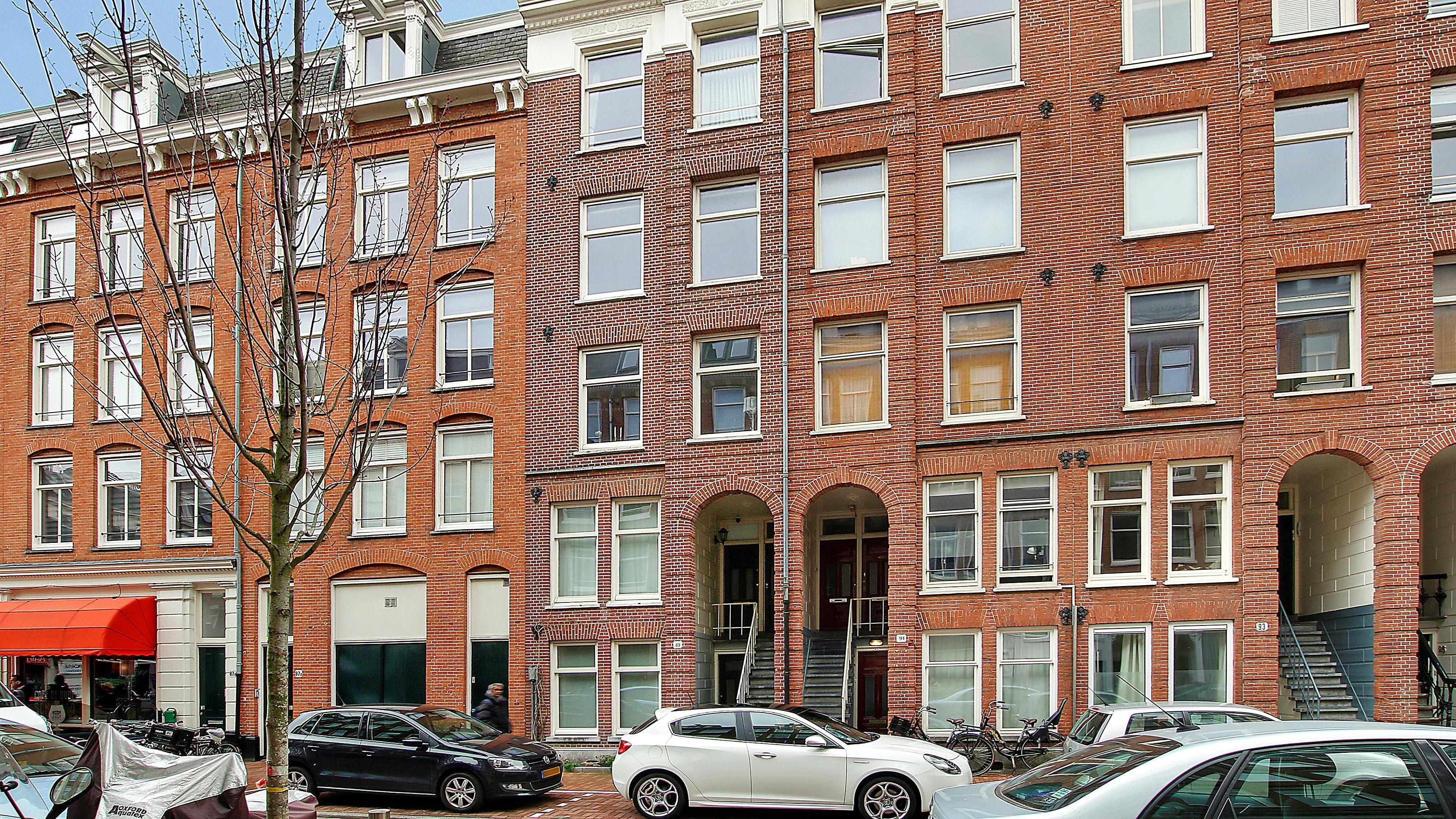 Onder bod: Van Oldenbarneveldtstraat 89-3, 1052 JX Amsterdam