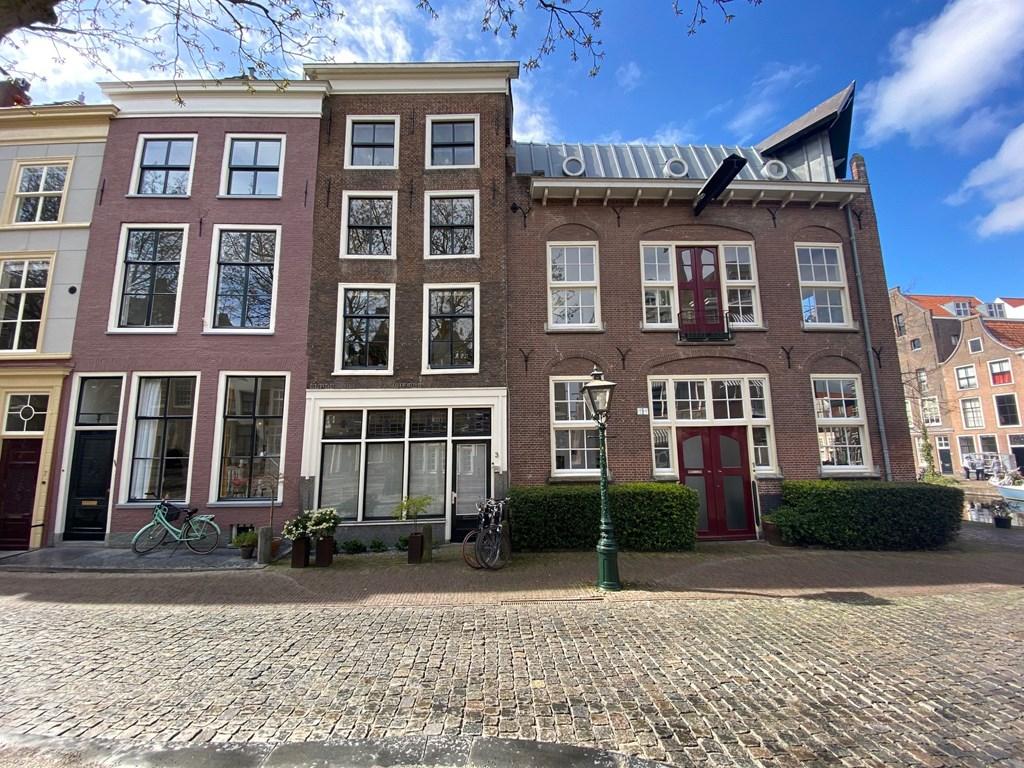 Hooglandse Kerkgracht, Leiden