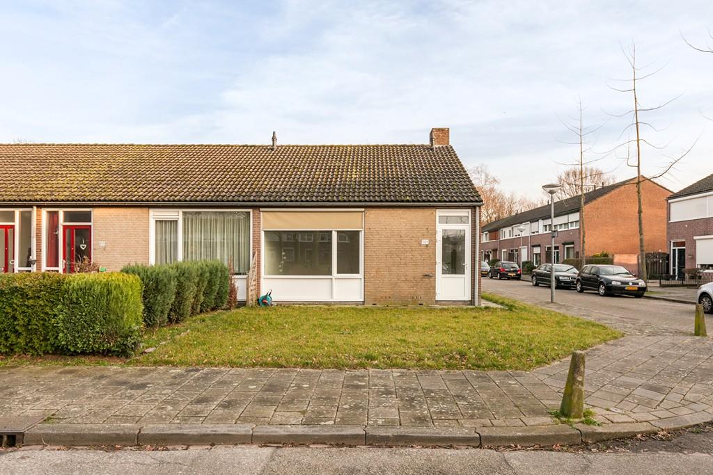 Racinestraat 101, Venlo