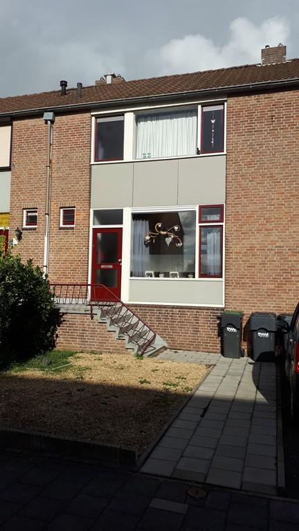 Woeringenstraat, Stein