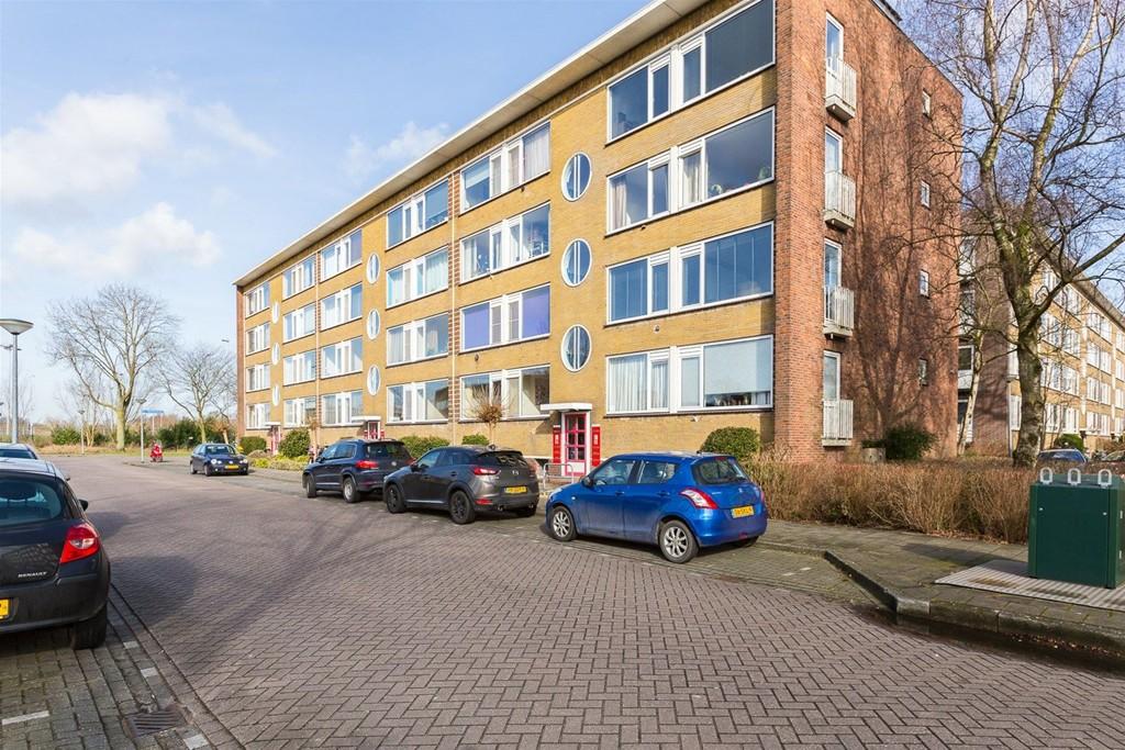 M. Nijhoffstraat, Weesp