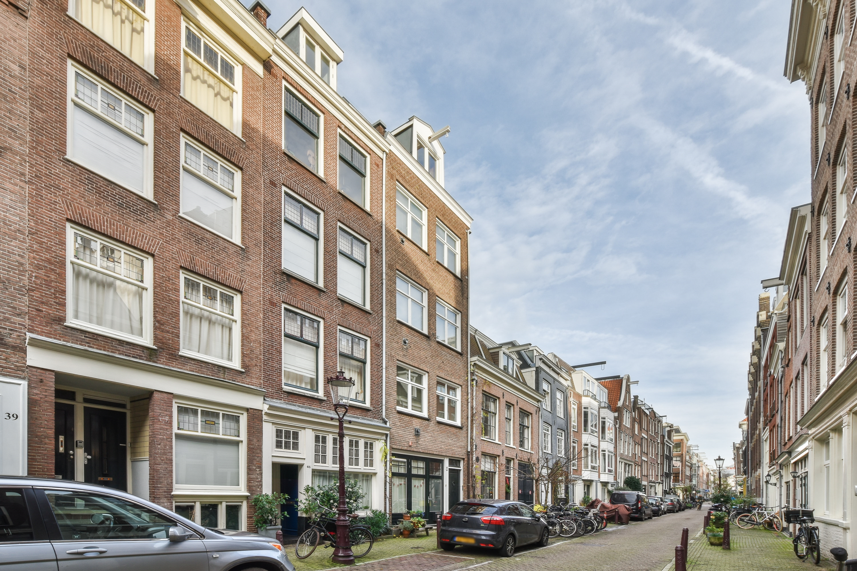 Rented subject to conditions: Utrechtsedwarsstraat 43III, 1017WC Amsterdam